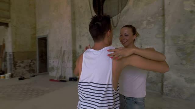 due ballerini in uno scenario affascinamente - southern european stock videos & royalty-free footage