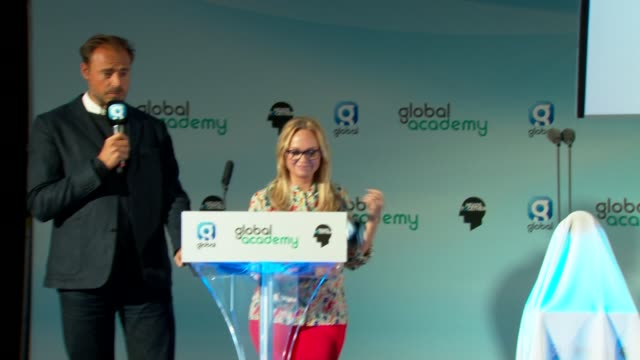 vídeos de stock, filmes e b-roll de duke and duchess of cambridge and prince harry on stage at global academy; england: london: hayes: int heart djs jamie theakston and emma bunton... - jamie theakston