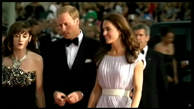 duke and duchess of cambridge arrive in new york for highly anticipated three day visit t10071104 / tx los angeles ext various of william and... - floor length stock videos & royalty-free footage