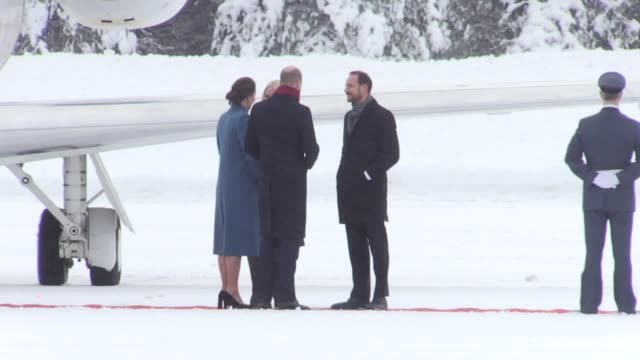 duke and duchess of cambridge arrive in norway and are greeted by prince haakon and princess mettemerit at the gardermoen military base the couple... - herzog von cambridge stock-videos und b-roll-filmmaterial