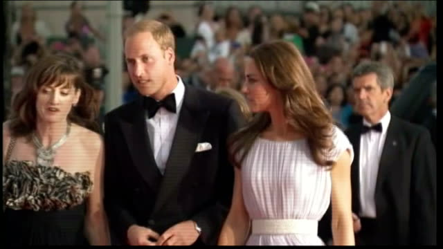 duke and duchess of cambridge finish their tour of north america t10071104 los angeles photography * * william duke of cambridge along red carpet... - evening gown stock videos & royalty-free footage
