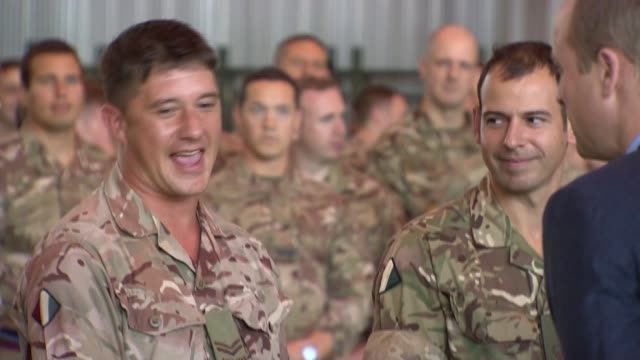 vidéos et rushes de duke and duchess of cambridge make christmas visit to british troops: arrival; cyprus: raf akrotiri: int prince william, duke of cambridge and... - british military