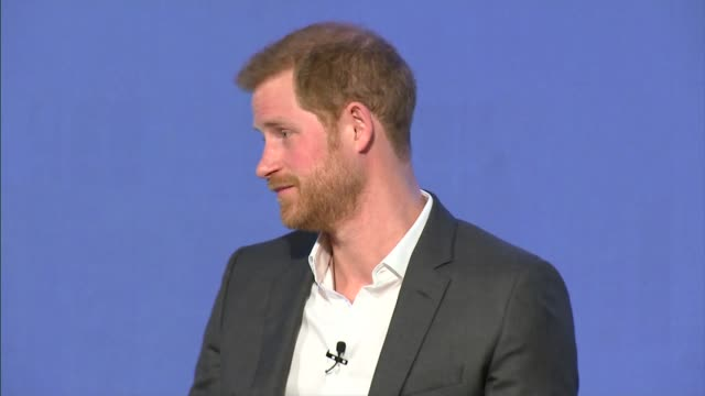 duke and duchess of cambridge prince harry and meghan markle royal foundation forum tina daheley asking question sot re biggest challenges prince... - principe persona nobile video stock e b–roll