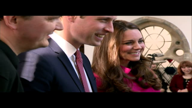 vídeos y material grabado en eventos de stock de duke and duchess of cambridge visit charities in south london william chatting to stephen ita sot on stephen's wedding william and kate chatting... - pijama de una pieza