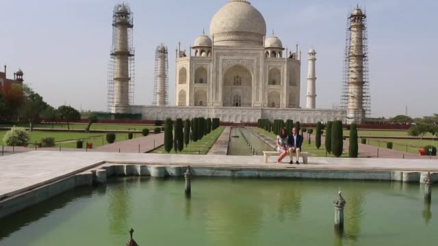 duke and duchess of cambridge visit taj mahal and diana bench india agra taj mahal ext prince william duke of cambridge and catherine duchess of... - taj mahal stock videos and b-roll footage