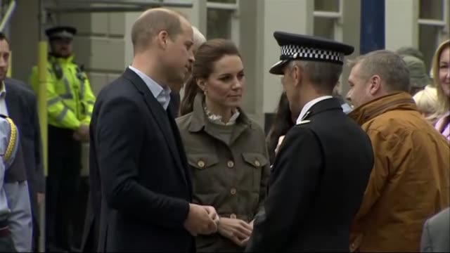 duke and duchess of cambridge visit the lake district; england: cumbria: keswick: ext **quality as incoming** **no/minimal sound output** prince... - sample holder stock videos & royalty-free footage