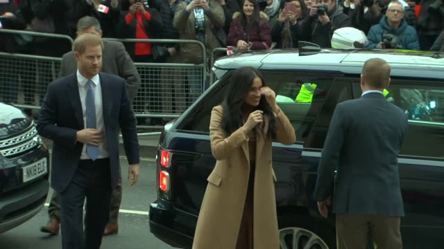 "duke and duchess of sussex arrive at canada house, london, and are greeted by janice charette, the canadian high commissioner to the uk - ""bbc news"" stock videos & royalty-free footage"