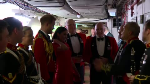 stockvideo's en b-roll-footage met duke and duchess of sussex attend mountbatten festival of music; england: london: royal albert hall: prince harry, duke of sussex and meghan, duchess... - royal albert hall