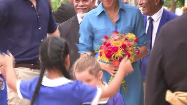 duke and duchess of sussex enjoy traditional tongan displays tonga music performance by band and choir / traditional tongan craft / prince harry duke... - bouquet stock videos & royalty-free footage