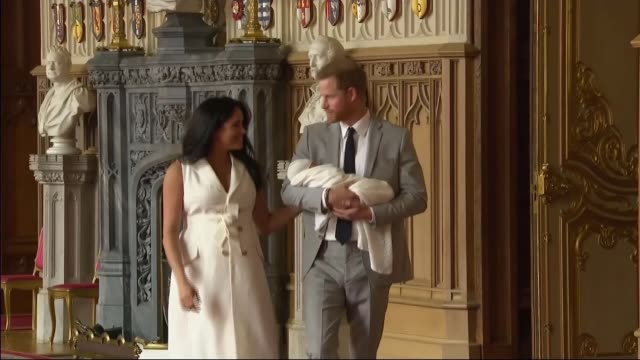 duke and duchess of sussex have a baby son reaction of students at nottingham academy england berkshire windsor windsor castle st george's hall int... - prince harry stock videos & royalty-free footage