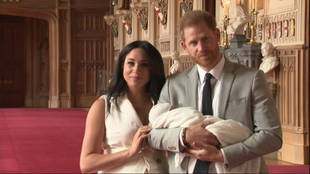 Duke and Duchess of Sussex have a baby son Windsor Castle photocall ***CAMERA Berkshire Windsor Windsor Castle St George's Hall INT Prince Harry Duke...