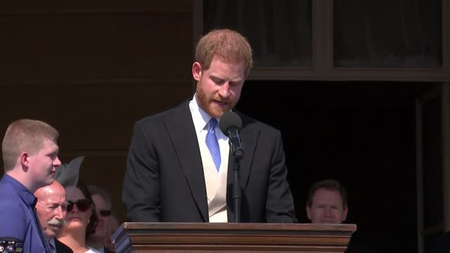 duke and duchess of sussex make first public appearance as married couple at prince charles's 70th birthday garden party england london buckingham... - buckingham palace stock-videos und b-roll-filmmaterial