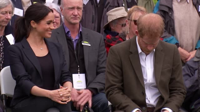 duke and duchess of sussex new zealand tour north shore visit and 'welly wanging' new zealand auckland north shore speeches sot prince harry duke of... - harry meghan tour stock videos and b-roll footage