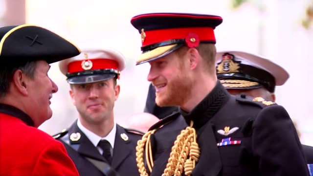 duke and duchess of sussex visit field of remembrance at westminster abbey england london westminster abbey field of remembrance ext prince harry... - war veteran stock videos & royalty-free footage