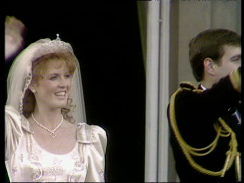 Duke and Duchess of York waving to crowds from balcony Royal Wedding of Prince Andrew and Sarah Ferguson 23 Jul 86