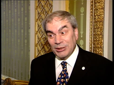 vidéos et rushes de duke of edinburgh awards 50 years old tony mullins interview sot a long time ago you could do anything you liked providing it was stamp collecting it... - duc d'edimbourg