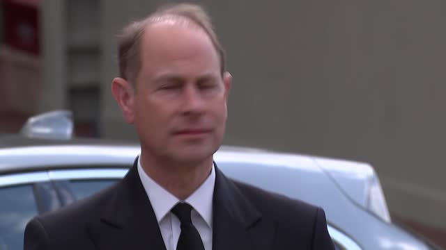 duke of edinburgh death: earl and countess of wessex view flowers at windsor castle; england: berkshire: windsor castle: ext further shots of prince... - carefree stock videos & royalty-free footage