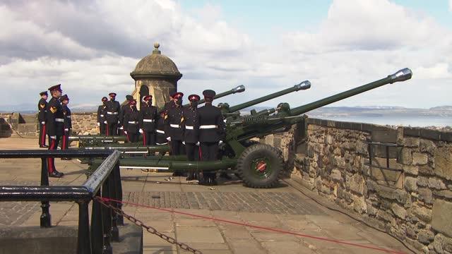 duke of edinburgh death: edinburgh castle gun salute; scotland: edinburgh: edinburgh castle: ext further shot of the 105th regiment royal artillery... - fortress stock videos & royalty-free footage