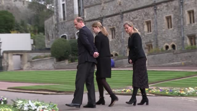 duke of edinburgh death: funeral preparations continue; england: berkshire: windsor castle: ext royal standard flying at halfmast gvs prince edward,... - berkshire england stock videos & royalty-free footage