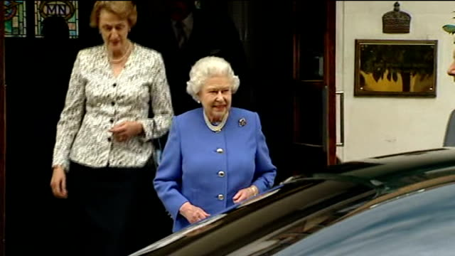 duke of edinburgh leaves hospital t06061225 queen elizabeth ii leaving the king edward vii hospital after visiting prince philip prince andrew... - leaving hospital stock videos & royalty-free footage
