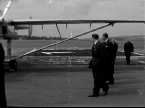 duke of edinburgh visits miles aircraft in shoreham england west sussex shoreham ext prince philip shaking hands with managers as arrives at miles... - ショーハム・バイ・シー点の映像素材/bロール