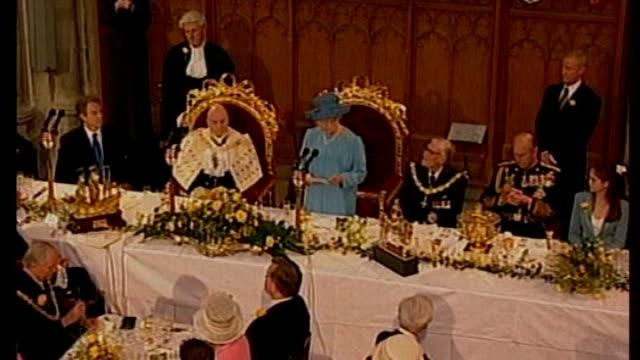 vidéos et rushes de duke of edinburgh's 90th birthday 1992 int queen elizabeth speech sot the duke of edinburgh has made an invaluable contribution to my life duke of... - 90e anniversaire anniversaire