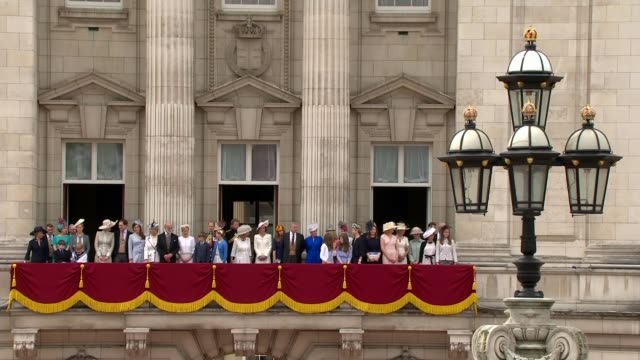 duke of york denies rift with prince of wales; 11.6.2016 / r11061620 buckingham palace: ext prince andrew, duke of yrok, stands with princess... - fahnenparade stock-videos und b-roll-filmmaterial
