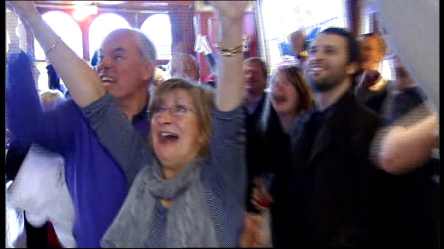 andy murray supporters cheering as watch australian open final in pub - dunblane stock videos & royalty-free footage