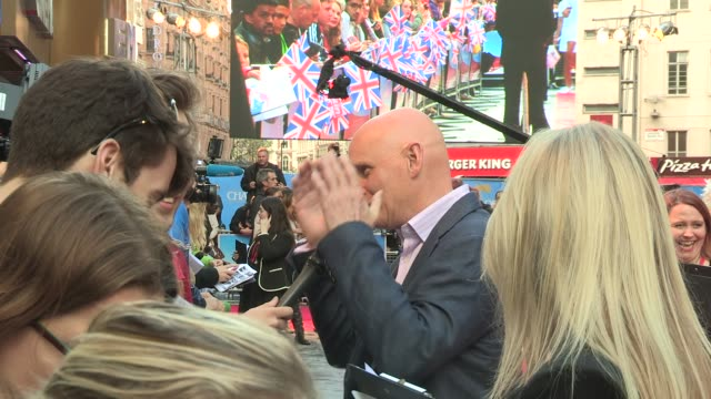 duncan goodhew at the great british premiere of chariots of fire at leicester square on july 10 2012 in london england - duncan goodhew stock videos & royalty-free footage