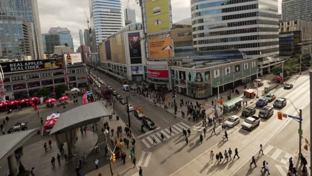 dundas square in toronto from above – medium wide time lapse, daytime - shopping centre stock videos & royalty-free footage