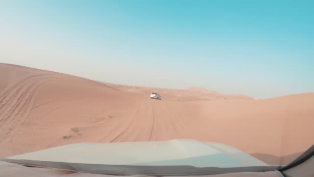 dune bashing in the desert - 4x4 stock videos & royalty-free footage