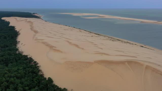 dune de pilat natural reserve, arcachon, france - nouvelle aquitaine stock videos & royalty-free footage