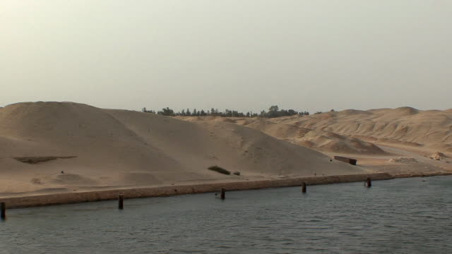 ws dunes on east bank, suez isthmus, egypt - suez canal stock videos & royalty-free footage