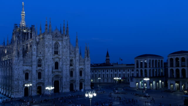 duomo illumination time lapse in milan italy - piazza del duomo milan stock videos and b-roll footage
