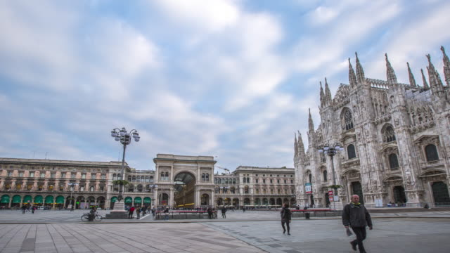 duomo milan city landmark building center - cathedral stock videos & royalty-free footage