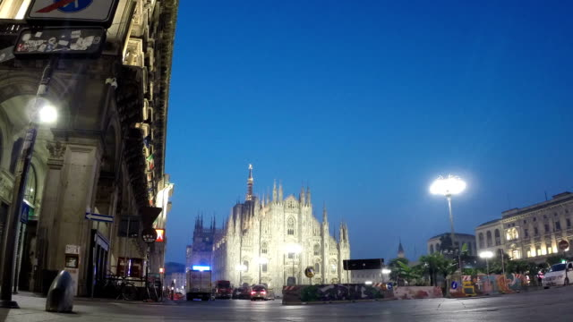 duomo square timelapse video, milan - piazza del duomo milan stock videos and b-roll footage