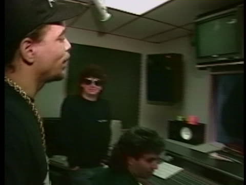 """vídeos y material grabado en eventos de stock de during a recording session, rapper ice-t stands in the production booth and gives this piece of advice to the recording artists: """"why you goin 'i... - 1980 1989"""