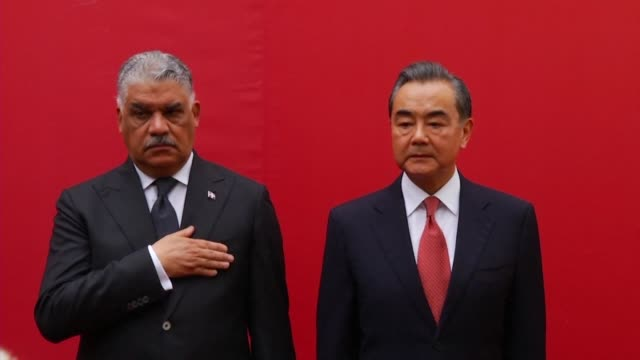 vídeos de stock e filmes b-roll de during an official visit to the dominican republic foreign minister wang yi inaugurates china's new embassy in the country - hispaniola