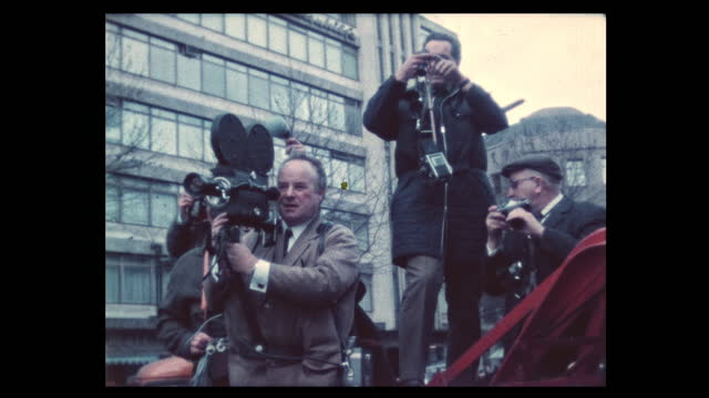 vidéos et rushes de during spring 1968 students take to the streets protesting vietnam war and german emergency acts debated in parliament. student leader rudi dutschke... - rebellion