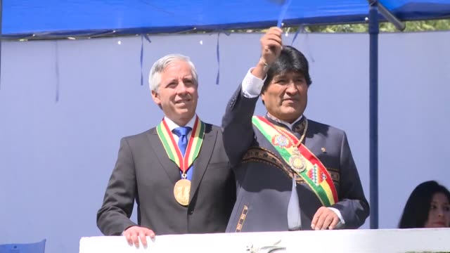 stockvideo's en b-roll-footage met during the day of the sea event president evo morales invited chile to negotiate a fair solution to bolivia's long standing demand to regain access... - bolivia