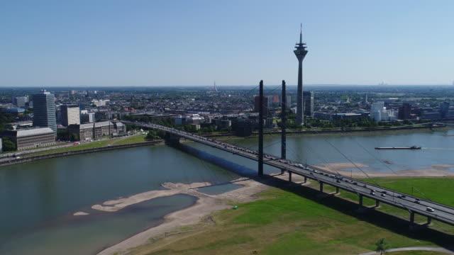 vídeos de stock e filmes b-roll de dusseldorf aerial video series - frente ao mar