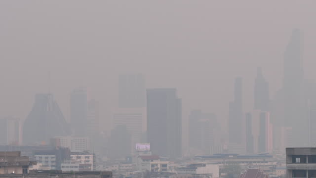 vídeos de stock e filmes b-roll de pm2.5 dust air pollution in bangkok, thailand - bangkok