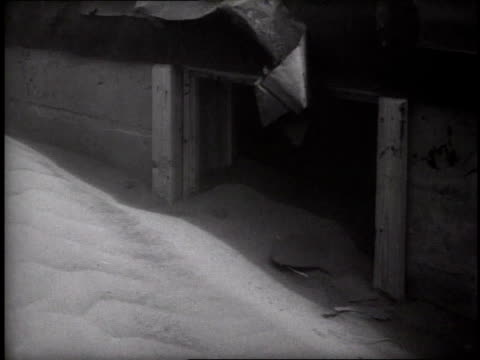 dust blowing around sand dune at entrance to farm house on may 3 1937 / dalhart texas usa - 1937 stock videos and b-roll footage