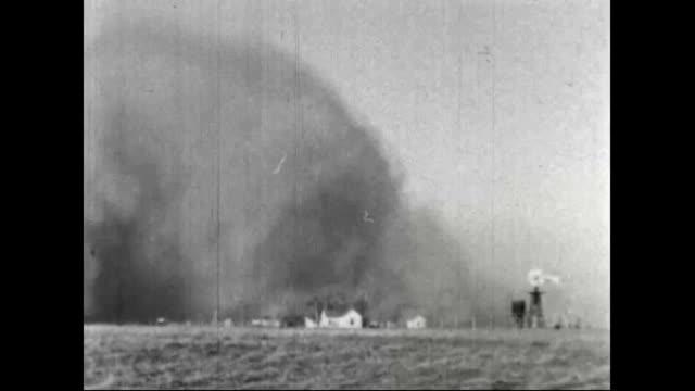 vidéos et rushes de dust storms during the dust bowl - tempête de poussière