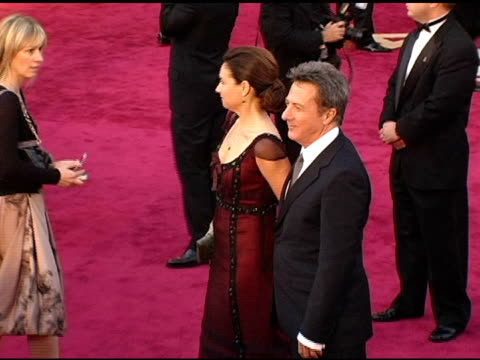 dustin hoffman and lisa hoffman at the 2005 annual academy awards arrivals at the kodak theatre in hollywood california on february 28 2005 - 第77回アカデミー賞点の映像素材/bロール