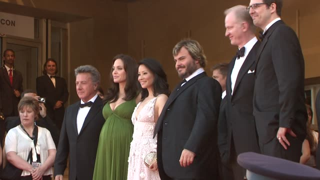 dustin hoffman angelina jolie lucy liu and jack black at the 2008 cannes film festival 'kung fu panda' premiere in cannes on may 15 2008 - angelina jolie stock videos & royalty-free footage