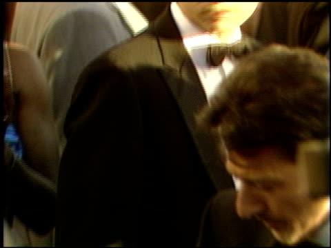 vidéos et rushes de dustin hoffman at the 1989 academy awards at the shrine auditorium in los angeles, california on march 29, 1989. - 61e cérémonie des oscars