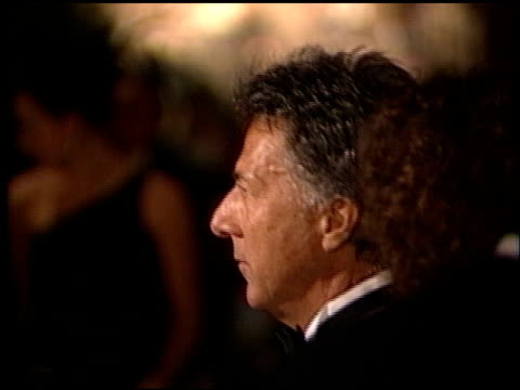 stockvideo's en b-roll-footage met dustin hoffman at the 1998 producers guild of america awards at the beverly hilton in beverly hills california on march 3 1998 - producers guild of america