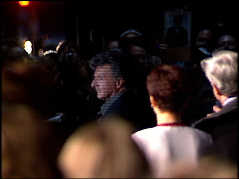 dustin hoffman at the 'moonlight mile' premiere at academy theater ampas in beverly hills california on september 24 2002 - dustin hoffman video stock e b–roll