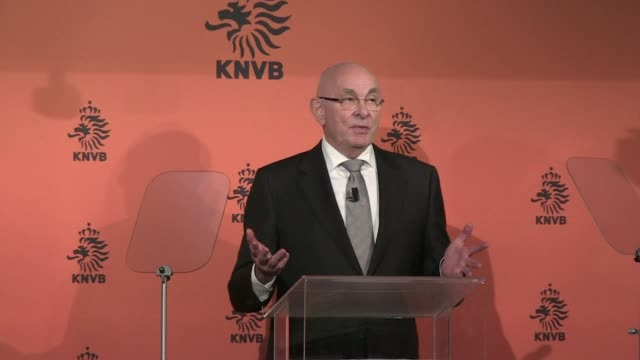 Dutch football boss Michael van Praag stepped up his campaign for FIFAs presidency on Wednesday saying he would modernise the world governing body...